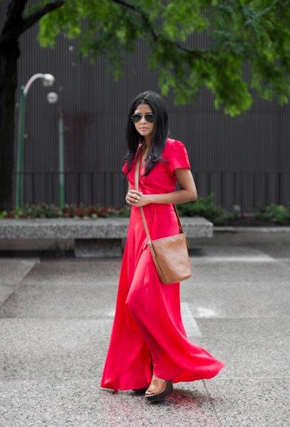 röd, golvlång, flytande kortärmad klänning