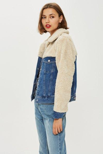 Ljusrosa fleece- och jeansjacka med jeans för pojkvän