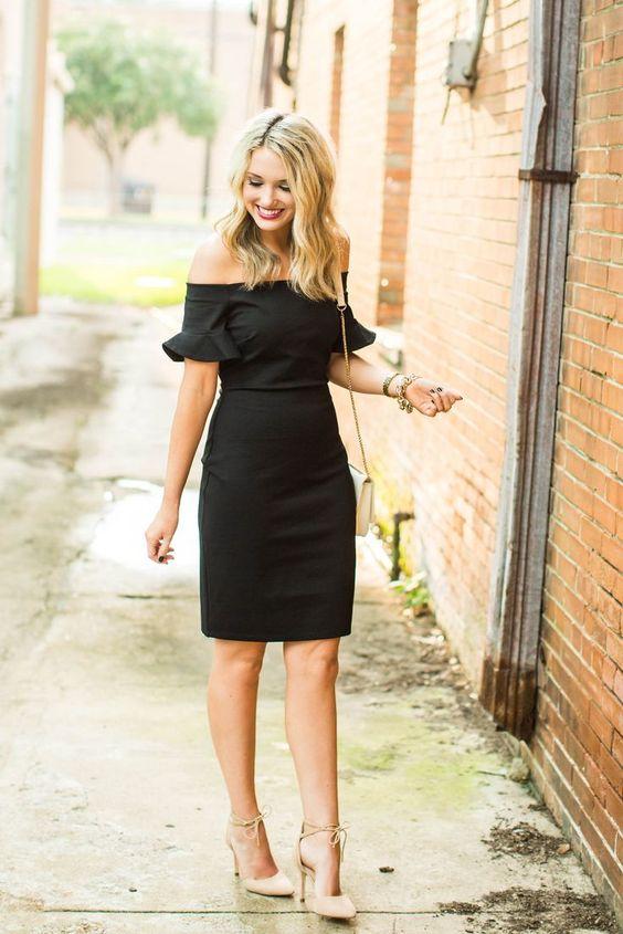 svart axelbandslös klänning avslappnad chic