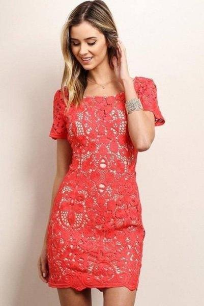 rosa kortärmad spetsskiftklänning