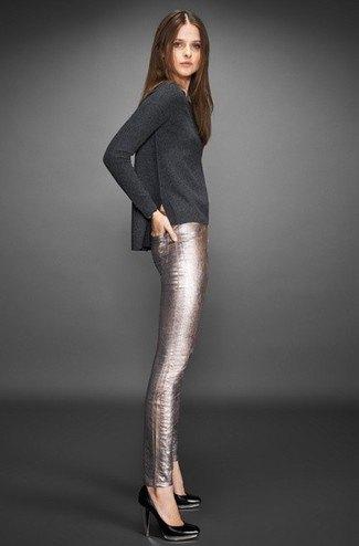grå långärmad T-shirt med silverbyxor