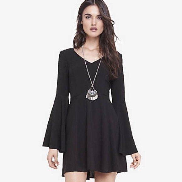 svart skridsko klänning i boho stil