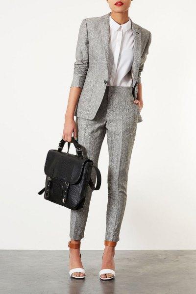 grå tweed kostym vit skjorta med knappar