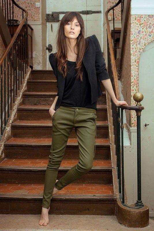 gröna skinny jeans i fransk stil
