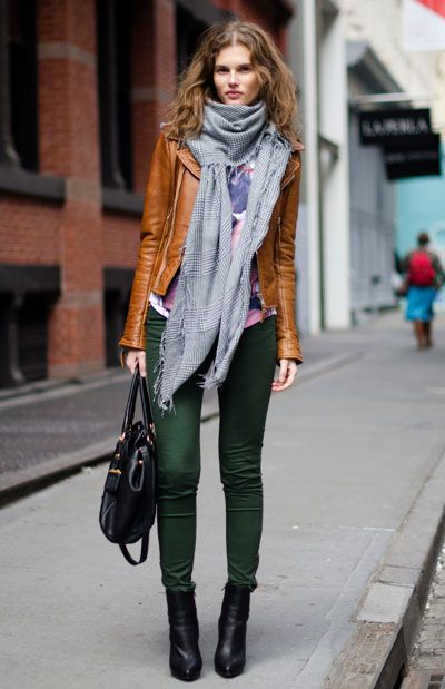 grön skinny jeans brun jacka