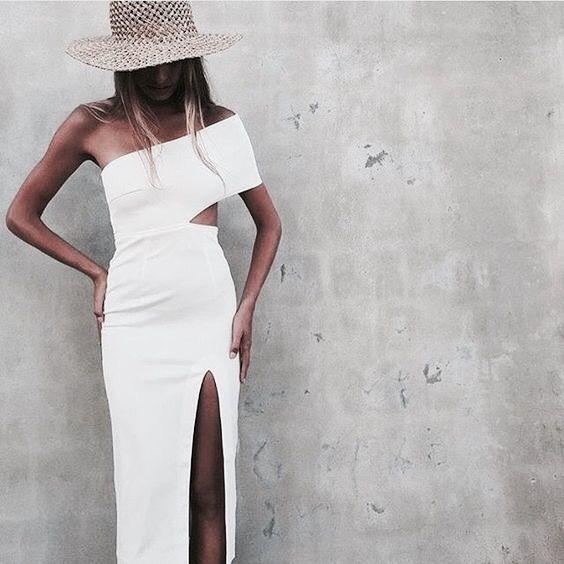 vit utskuren klänning slits