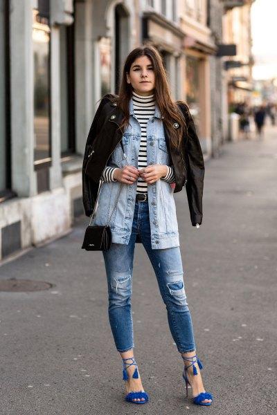 Jeansjacka med rippade jeans och kungsblå sandaler