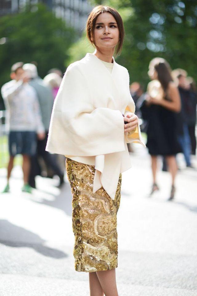 Guld kjol utsmyckad