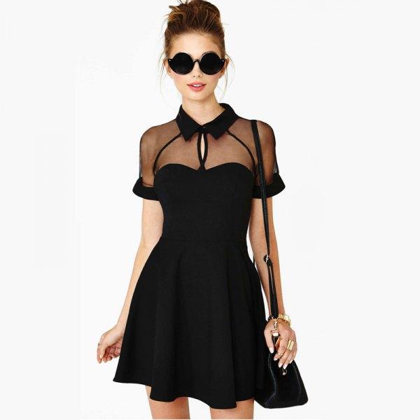 svart skaterklänning med genomskinlig krage