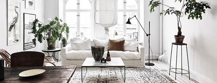 Fridfull och ljus Göteborgs lägenhet med en etnisk touch.