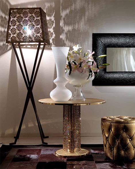 Soffbord i metall med Swarovski-kristaller från Fiorentino Ho