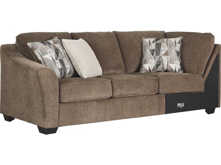 Benchcraft vardagsrum Graftin vänster arm mot soffa med hörn.