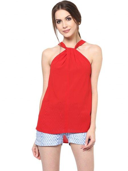 röd topp blå och vit tryckta mini shorts