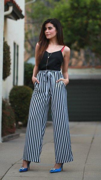 Camisole med svarta och vita randiga byxor med hög midja