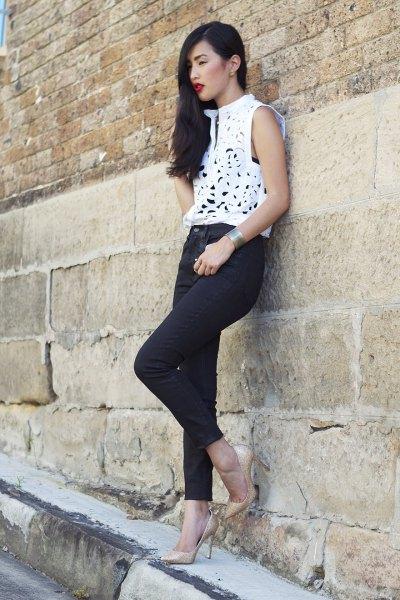 vit ärmlös, elegant topp med smala jeans