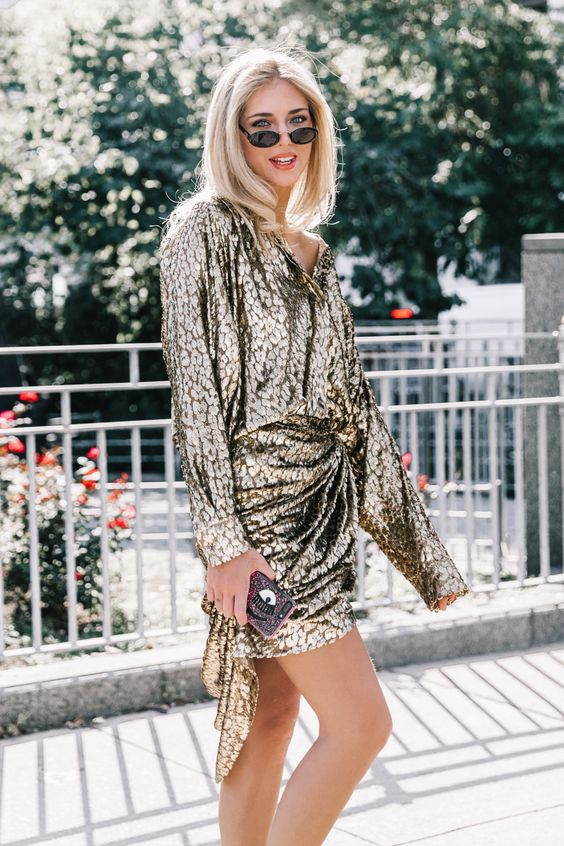 gyllene cocktailklänning Chiara