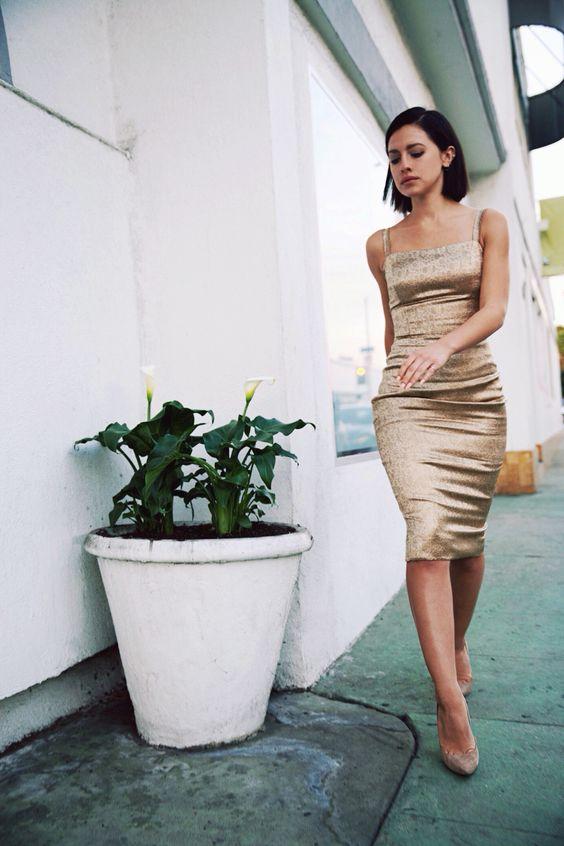 gyllene cocktailklänning ädla