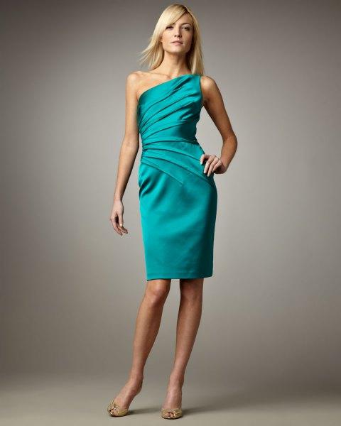 Bodycon-klänning med en axel i satin