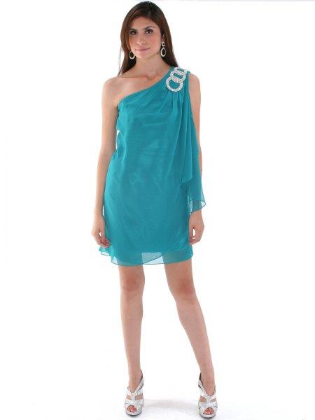 blågrön chiffongklänning med en axel och lager