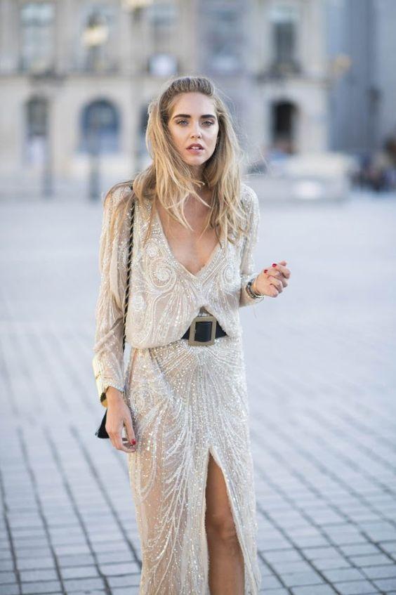 gyllene glittrande klänning med bälte