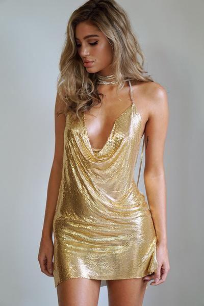 Guldglittrande Paris Hilton wannabe-klänning