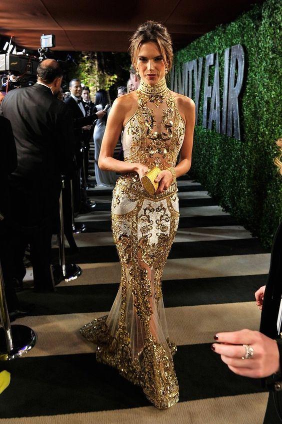Ren guldglittrande klänning
