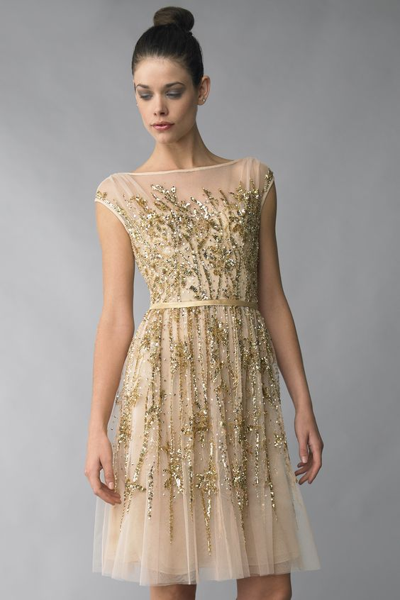 gyllene glittrande klänning tyll