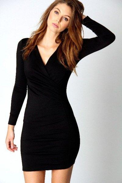 svart, långärmad, figur-kramande miniklänning med V-ringning