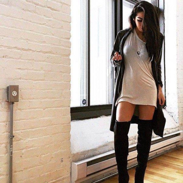 T-shirt klänning lång kofta höga strumpor