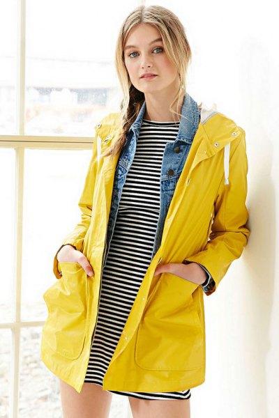 horisontell randig t-shirt klänning gul regnrock