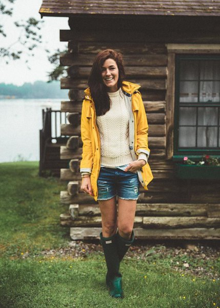 gul regnrock vit stickad tröja