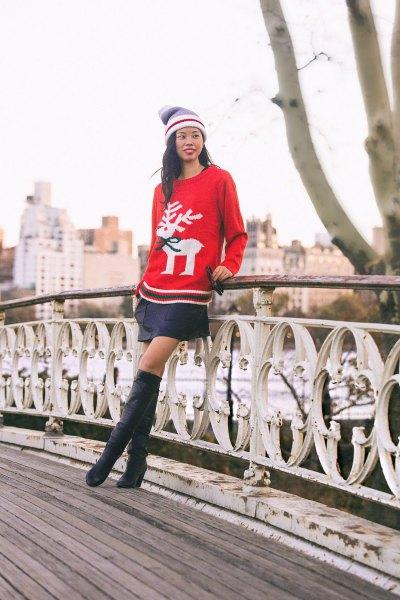 röd julhelgströja med svart minikjol