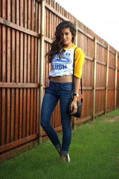 gul och vitt snitt baseball t-shirt skinny jeans