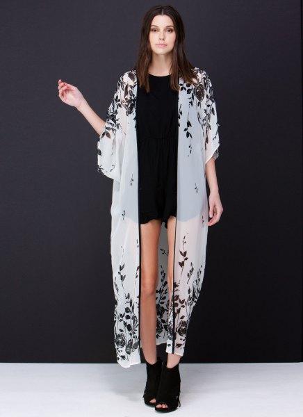 vita maxi-genomskinliga kimonosvarta mini-jeansshorts