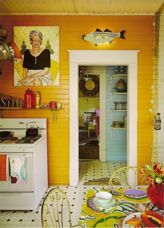 Färgglatt, mysigt kök med några knäppa detaljer.  i.pinimg.com.