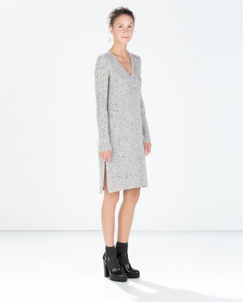 grå stickad tröja klänning med V-ringning