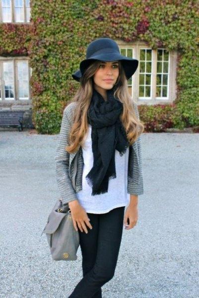 svart floppy hatt halsduk kofta