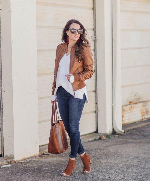 vita skinny jeans med V-ringning, blå skinny jeans