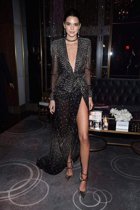 svart glittrande klädknut