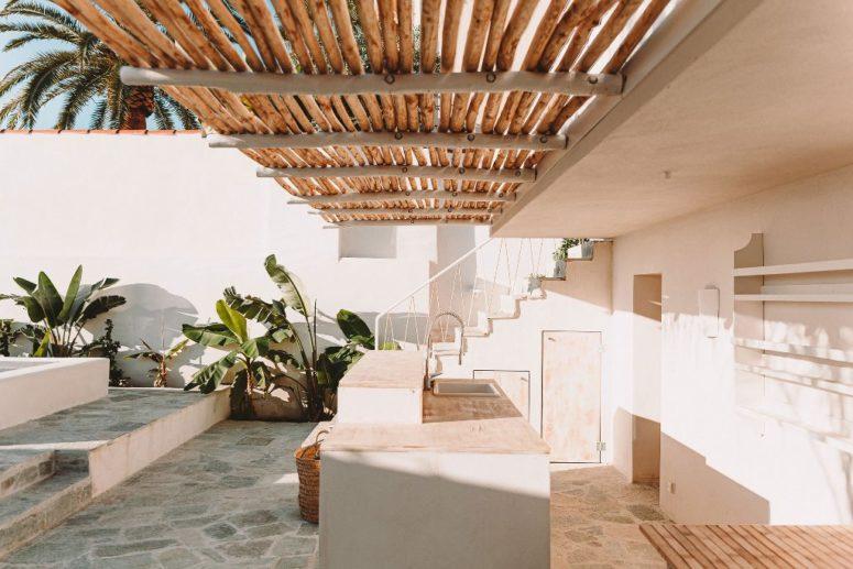 Modernistiskt väl utformat semesterhus på Korsika - DigsDi