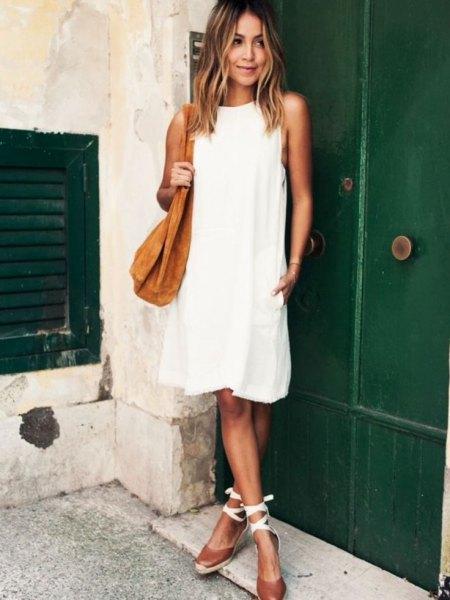 vita luftiga klänningsbandssandaler