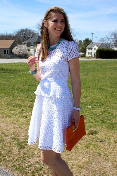 vit luftig klänning outfit