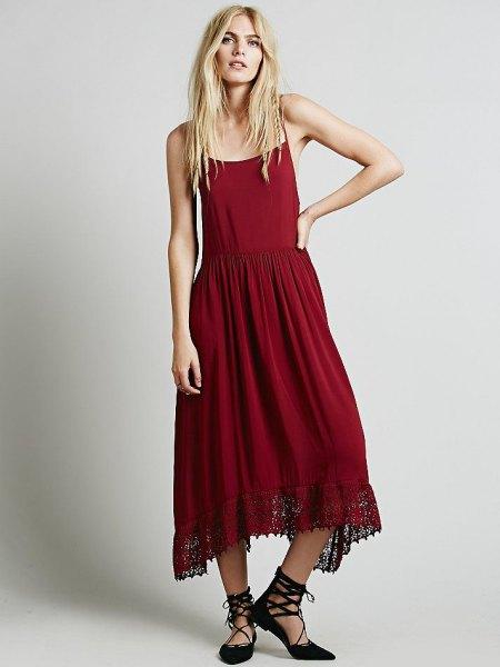 röd luftig slip-maxiklänning med remma klackar