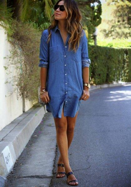 Chambray skjortklänning med blå sandaler