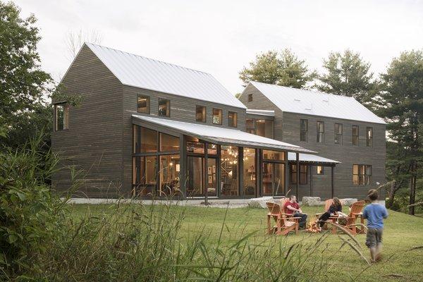En Maine bondgård byggd med räddade material - Dwe
