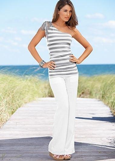 en axel randig linne vit linne byxor