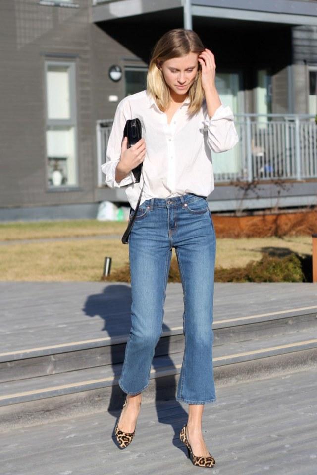 Capri-jeans med vida ben, vit blus