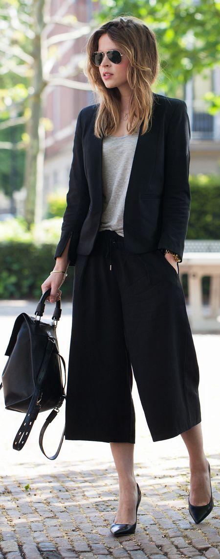 Capri-byxor med vida ben, svart kostym