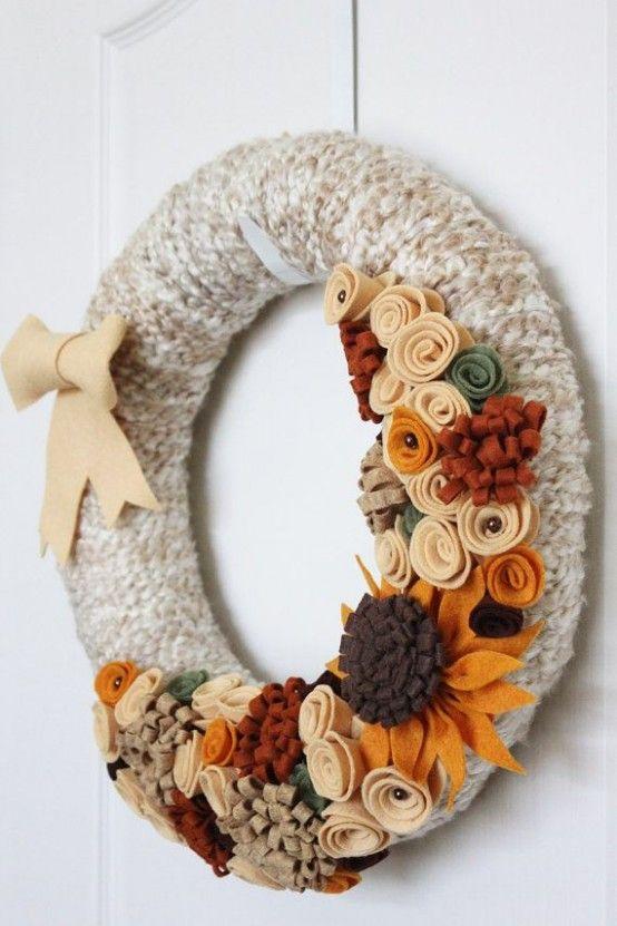 23 söta och mysiga garnkranser för höstdekor |  Kände blommakranser.