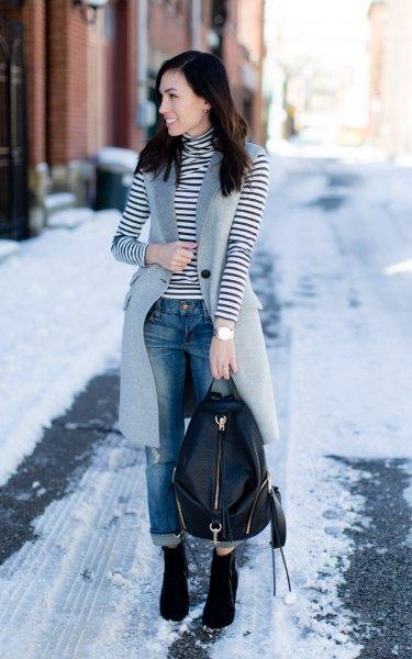 svartvitt randig turtleneck långärmad T-shirt med grå ull långväst